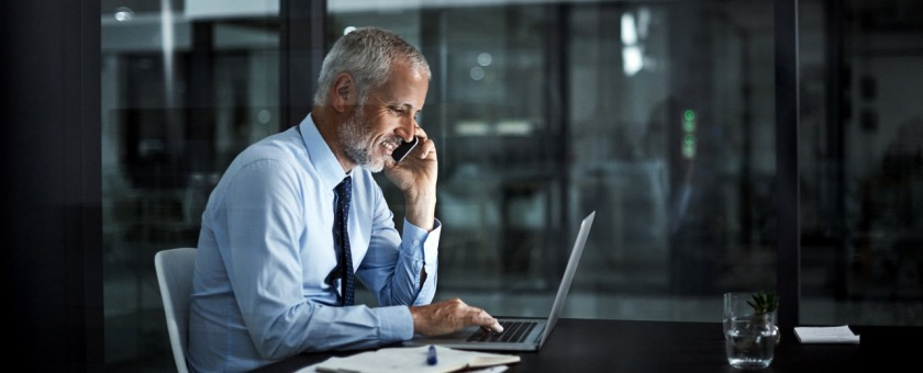 help it managers find some extra time with a cloud phone system